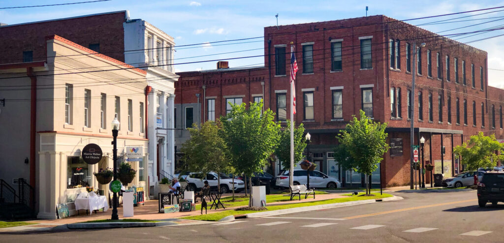 Doing business Downtown Wetumpka